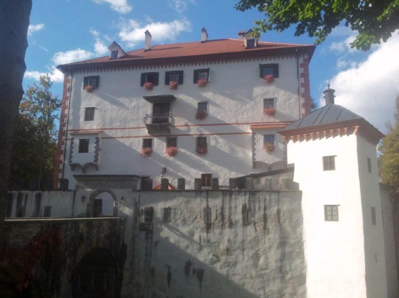 kasteel Sneznik, Eva Dinarica