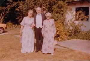Edith, Gunnar og Laurine til Pouls bryllup