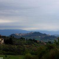 Todi - miasteczko w centrum Włoch