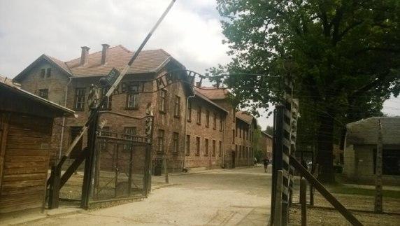 Auschwitz ja Birkenau. Kesäkuussa kävin leireillä, joissa näkyy mihin ihmisen pahuus pystyy.