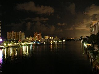 Facing south from the Oakland Park Blvd
