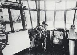 LZ127_Graf_Zeppelin_cockpit