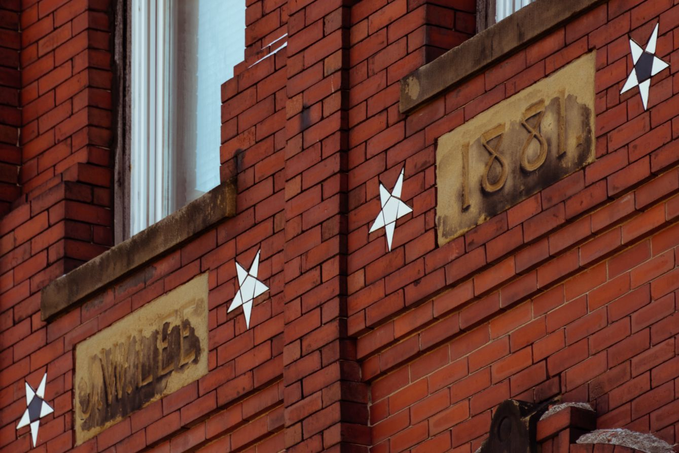 Click thumbnail to see details about photo - Cowee Building Stars Architecture Princess Street