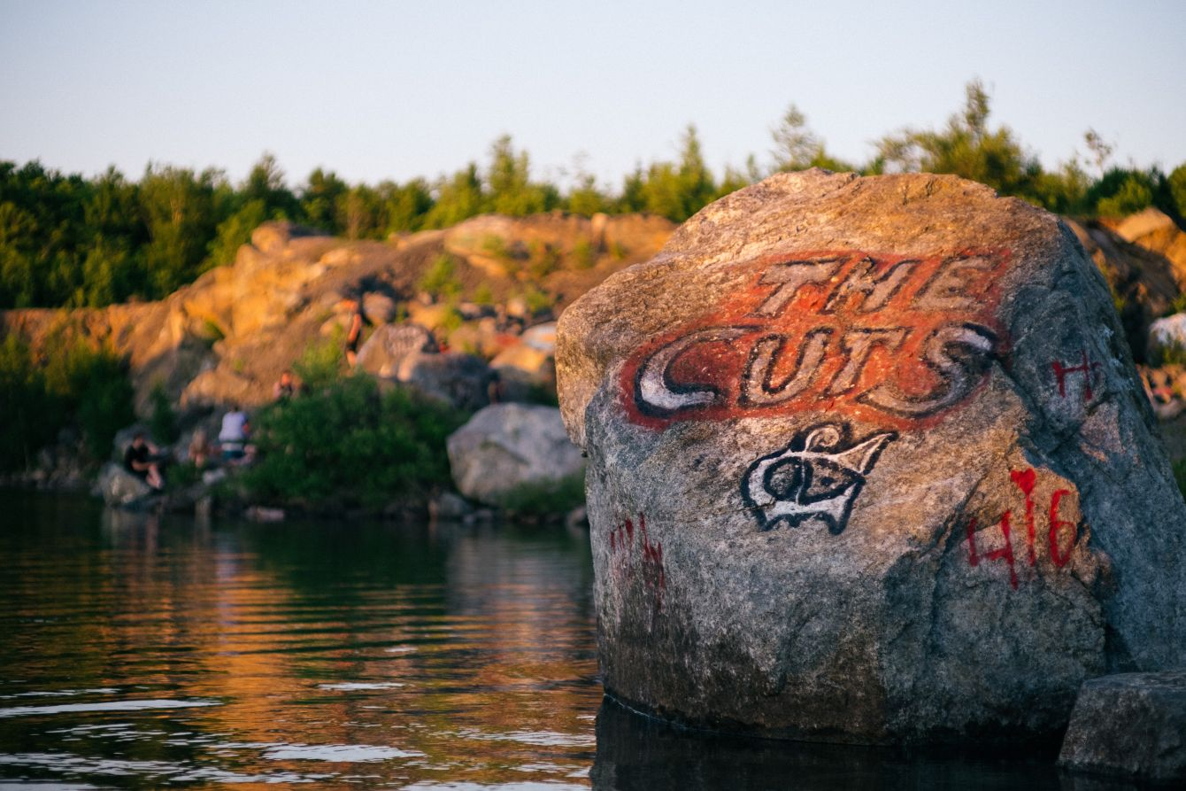 Click thumbnail to see details about photo - The Cuts Swimming Hole Rock