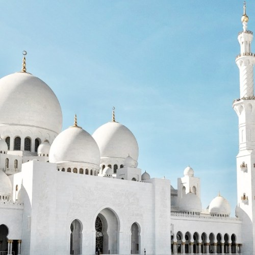 expats in abu dhabi