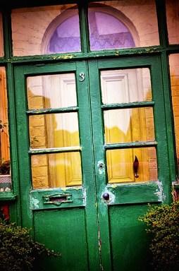 green glass door photo