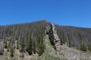 This cool rock structure looked a lot like a wall. --On route to Willow Creek Pass