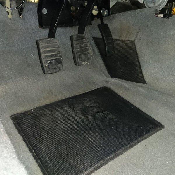 Heel and toe pads in original DeLorean time machine