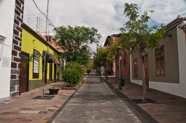 Więcej pustych uliczek