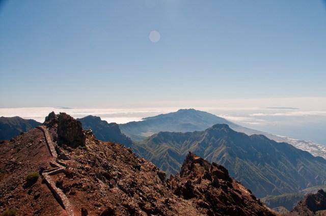 Po lewej Gomera, po prawej El Hierro. My stoimy na La Palmie :)