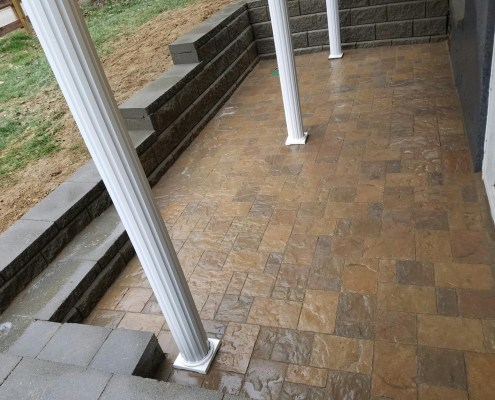 Paver Patio with Retaining Wall