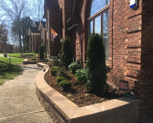 Landscaping with Retaining Wall Border 2