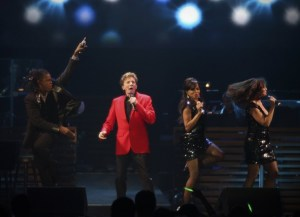 0124_NCFE_BarryManilow2_t607