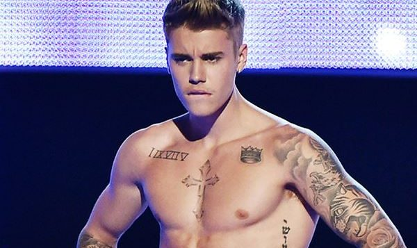 Justin Bieber Hits #1 With A Spanish Song! - Mike's Daily Jukebox
