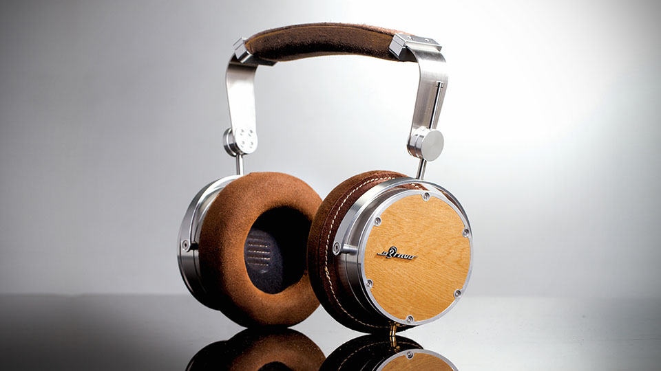 This Hyper Audiophile Headphones Is The Worlds First Coaxial 2 Way Audio Cans And It Cost A