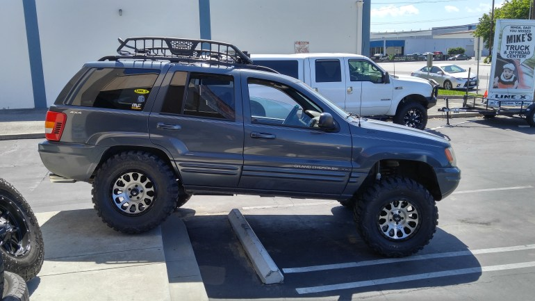 """2000 Jeep Grand Cherokee- Installed 3"""" Zone Off Road Lift,17X9 Fuel Vector Rims w/33X12/50 R17 Nitto Mud Grapler Tires w Go Rhino Roof Rack"""