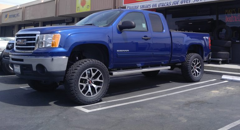 """2013 GMC Sierra - Installed 6"""" Fabtech with factory 20"""" Rims, 35X12.50 R20 Cooper Tires"""