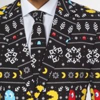 クリスマスセーターっぽいデザインが冬の装い!「パックマン」や「スーパーマリオ」総柄の新作スーツが発売に!
