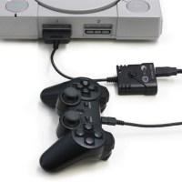 プレステやプレステ2、プレステクラシックでPS4/PS3用コントローラーやアーケードスティックが使えるコントローラ変換アダプタ「PS2/PS1/PSクラシック用 スーパーコンバーター」が発売に!
