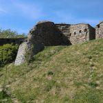 Rundtårnet til venstre i bildet (vest), og representasjonsbygningen til høyre for det.