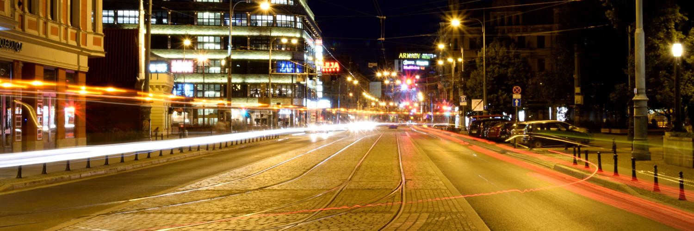 Ulica Świdnicka we Wrocławiu nocą