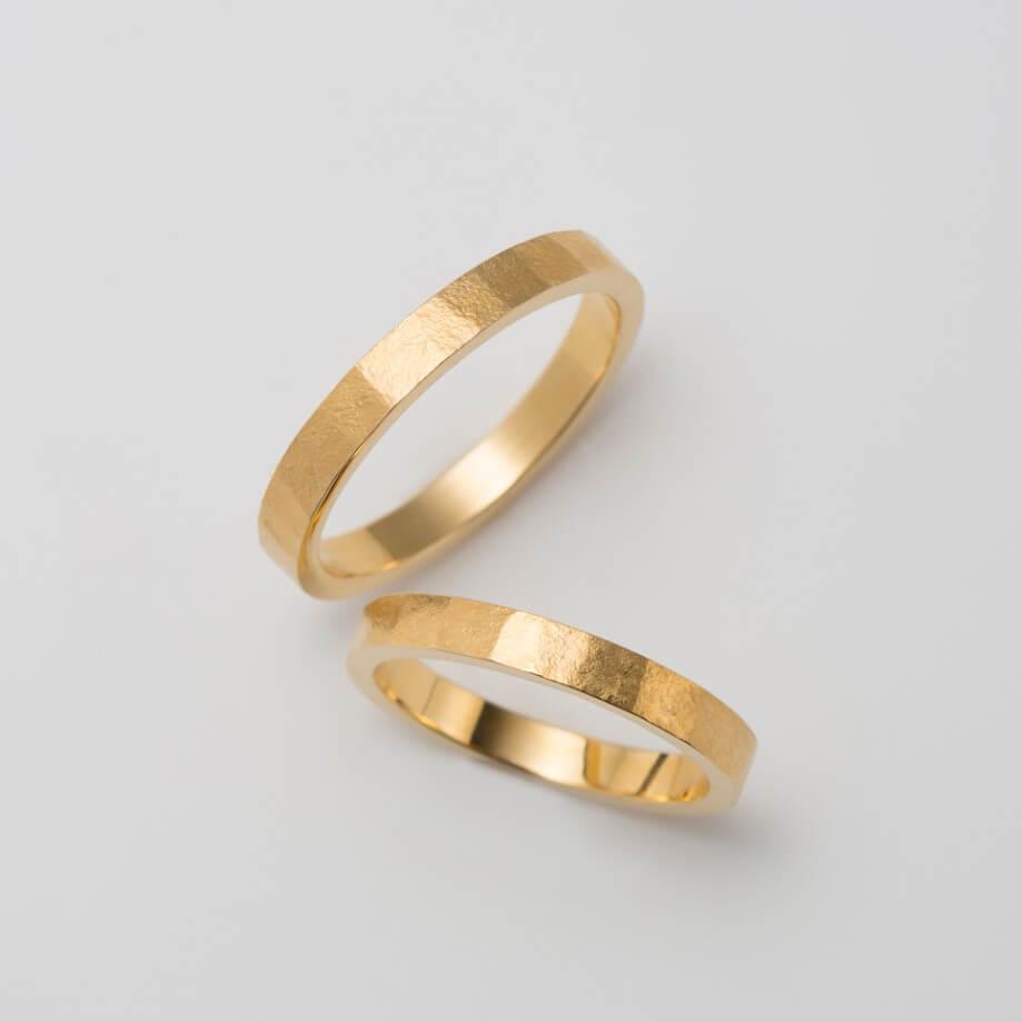 錆加工のクラシックな結婚指輪
