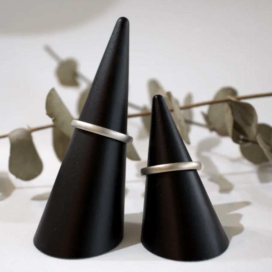 梨地粗艶出しの結婚指輪