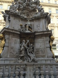 Figurengruppe an der Pestsäule (S. Thiele)