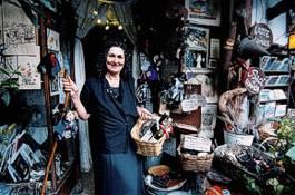 Italiens aus Zeitung und Fernsehen bekannteste Hexe Angela-Maria Zuchetto