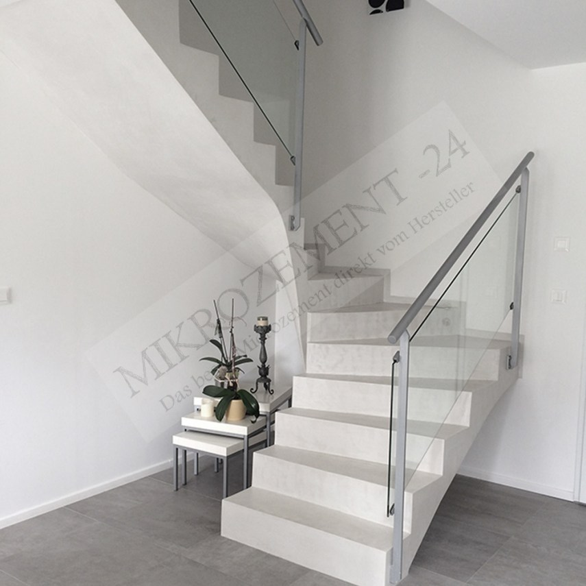 Mikrozement-24_Microzemnt_Treppe_Boden