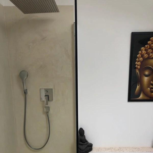 Mikrozement-24.de_Microzement_GORAL_F-Wall_Wand__Boden_Bad_Fugenlos_Begehbare dusche