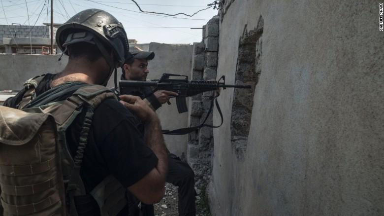 Журналіст із Бразилії показав кадри руйнувань у частково звільненому від ІДІЛ Мосулі