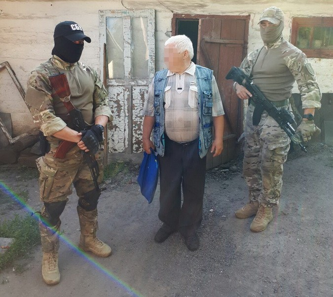 СБУ затримала у районі АТО інформатора терористів