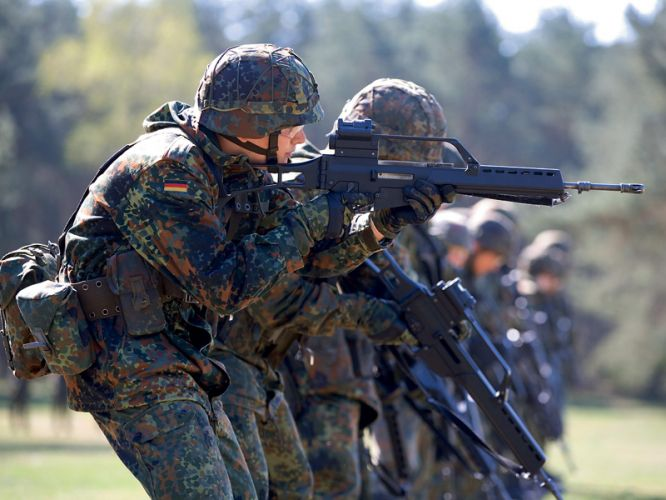 Німеччина серйозно розглядає ідею направлення своїх військових у миротворчу місію на Донбасі