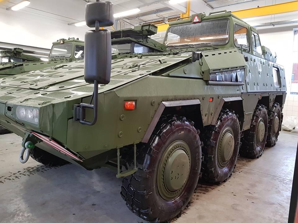 Литва отримала  першу партію навчальних бронетранспортерів