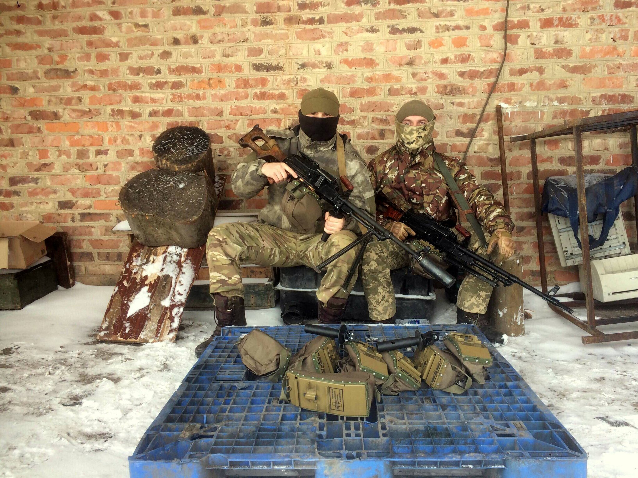 """Фотозвіт від взводу розвідки 3 батальйону 79 Бригади ВДВ по отриманню партії """"Мілітарного апгрейду"""""""