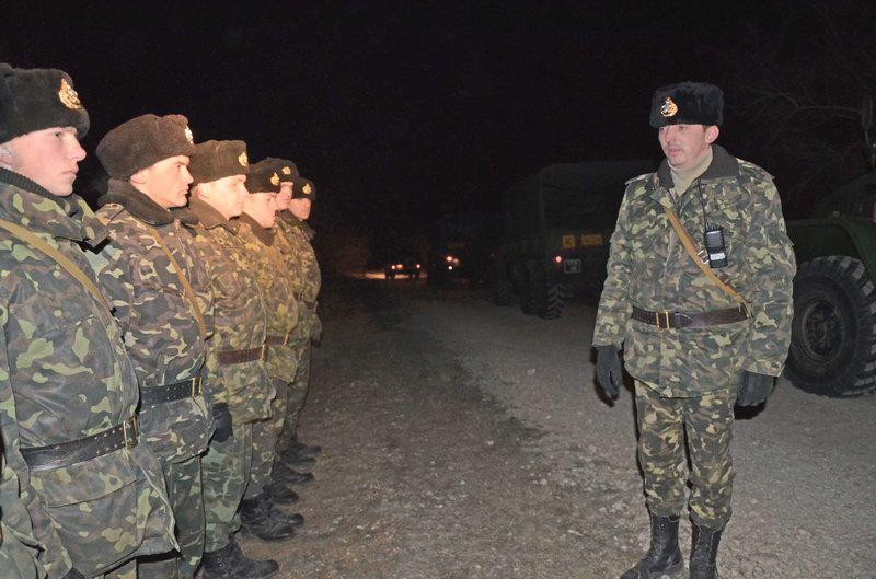 На базі тренувального центру морської піхоти під час  зборів з водіями відбувся 100-кілометровий нічний марш