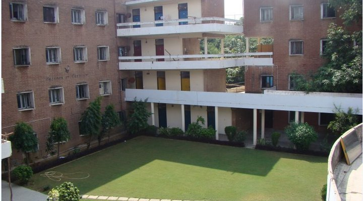 Indian Hostel Life in IIT Delhi: Behind the scenes
