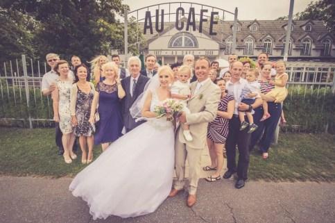 Svadba v Bratislave v Au Cafe, obrad, spolocna fotografia