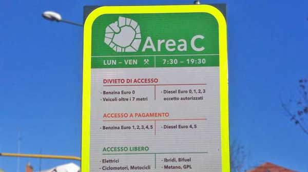 Milano, Area C: online il modulo per la richiesta deroghe