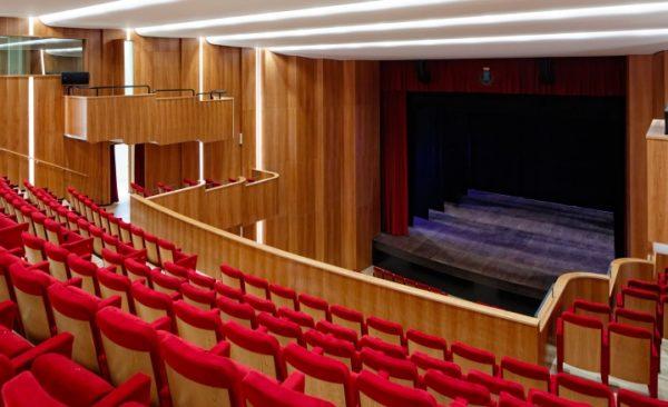 """Sondrio, la """"prima"""" della Scala in diretta al Teatro Sociale"""