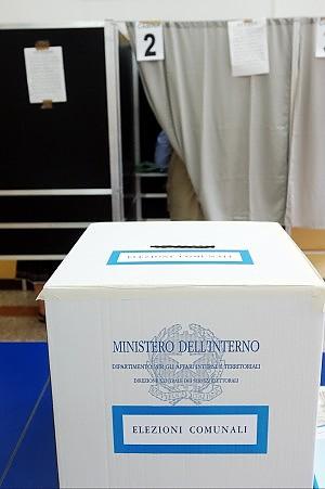 Comune, 14 candidati sindaco è in arrivo una scheda-lenzuolo