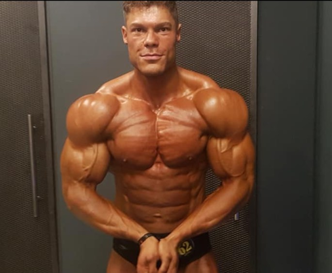 VINTAGE GENETICS: HEAVY CHEST Workout with Thanos + My Current Off-Season Shape | MILANO411