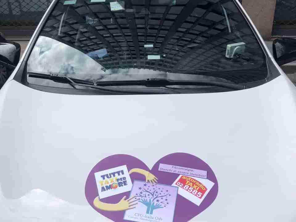 taxi a milano - iniziativa solidale taxi con cuori viola - 028585