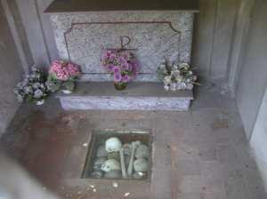 A small crypt, zona Naviglio