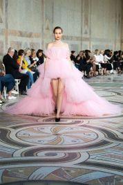пышная юбка необычное розовое Свадебное платье Giambattista Valli Haute Couture осень-зима 2017/18