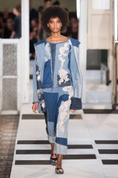 jeans-trend-2017-what-to-buy-winter-sales-antonio-maras