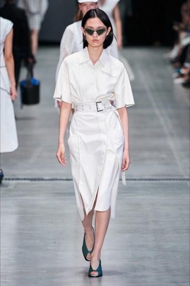 мода белая рубашка 2020 белая рубашка