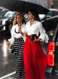 как носить юбку миди под белую рубашку