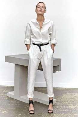 с чем стильно носить белую рубашку 2020